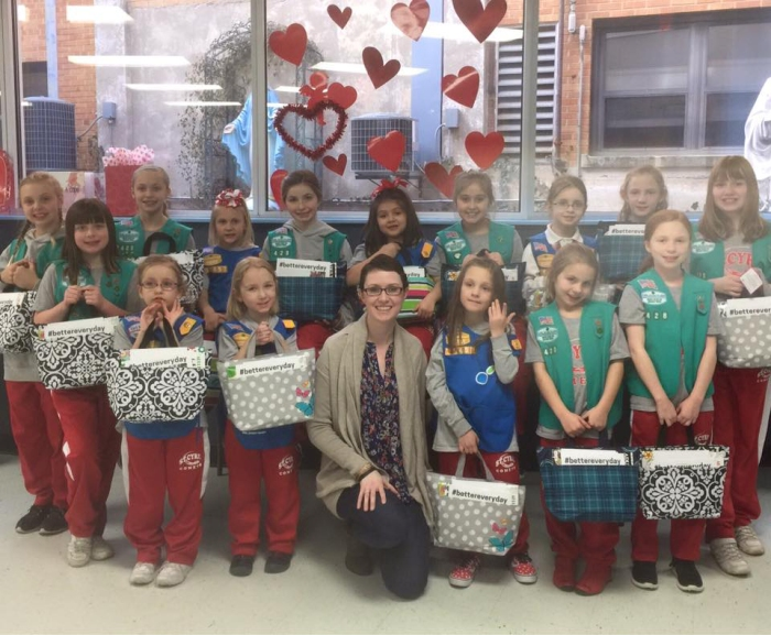 Girl Scouts Make Tote Bags to Help Lift Spirits of Patients Battling Cancer
